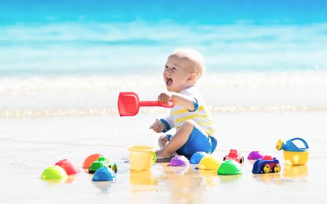 Otrok na morju